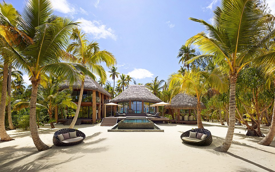 4097CFA900000578-4529482-Eco_Luxury_The_resort_s_most_expensive_villa_which_is_2_648_sq_f-a-6_1495448608981